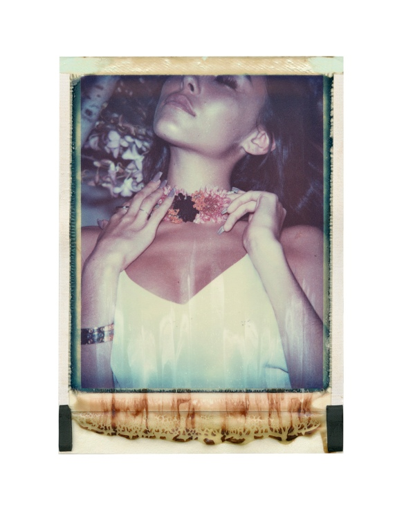 Madison_Beer_Polaroids_03.jpg