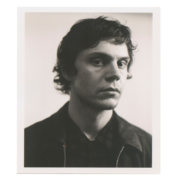 Evan Peters_1.jpg